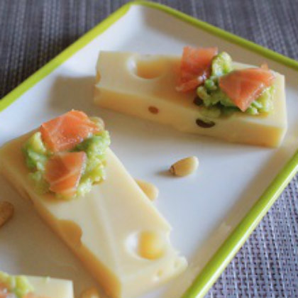 Emmental Bites with smoked salmon and avocado